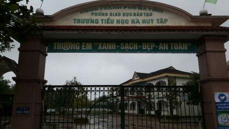 Ha Tinh: Can som xu ly rac thai truoc cong Truong Ha Huy Tap - Anh 3