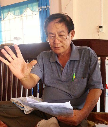 Mot lao nong 'cai' thang 5 vu kien cho dan - Anh 1