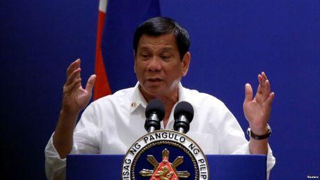 Trump dac cu, ong Duterte noi khong muon 'cai va' voi My nua - Anh 1