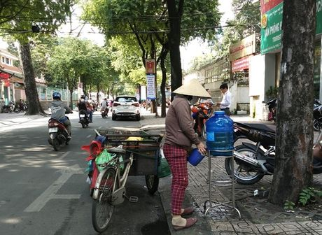 Am long nhung 'mon qua' mien phi cua nguoi Sai Gon - Anh 2