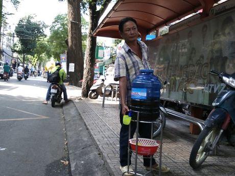 Am long nhung 'mon qua' mien phi cua nguoi Sai Gon - Anh 3