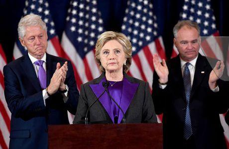 Ba Clinton duoc dan bo phieu nhieu hon van bai tran - Anh 1