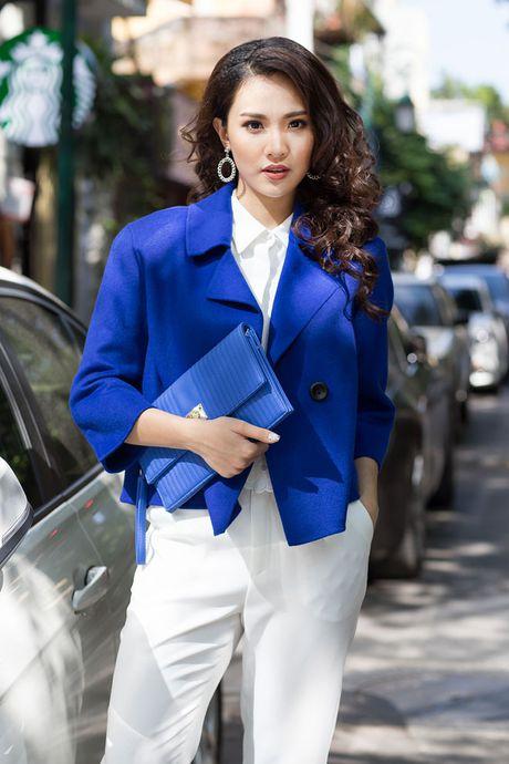Top 10 Hoa hau VN Sai Huong Ly chia se bi quyet mac dep khi gio mua ve - Anh 4