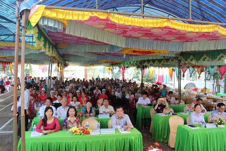 Pho Chu tich Truong Thi Ngoc Anh du Ngay hoi Dai doan ket toan dan toc tai Binh Phuoc - Anh 2