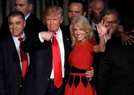 Dac cu tong thong, Trump 'tiep quan' toan bo fan cua Obama - Anh 2