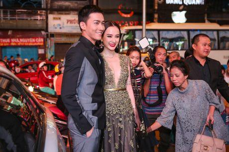Angela Phuong Trinh mac goi cam sanh vai ben Vo Canh - Anh 1
