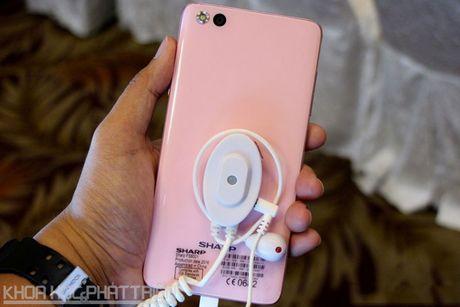 Can canh smartphone Nhat chuyen selfie, RAM 3 GB, thiet ke dep - Anh 21