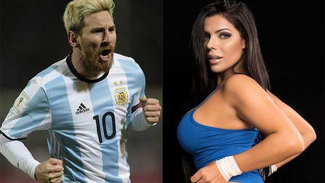 Hoa hau vong ba gat bo que huong, ung ho Messi - Anh 2