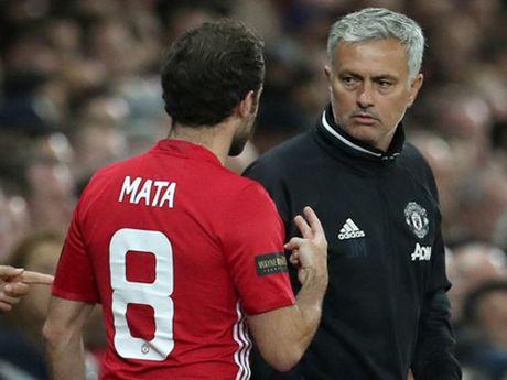 Man United: Mourinho cuoi cung da thua nhan tai nang cua Juan Mata - Anh 2