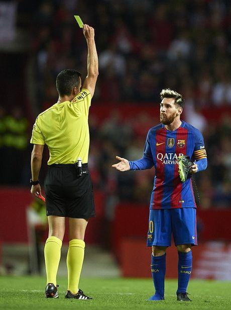 CAP NHAT tin sang 10/11: Barca khang cao bat thanh cho Messi. Chan thuong cua Sanchez co nang? - Anh 1