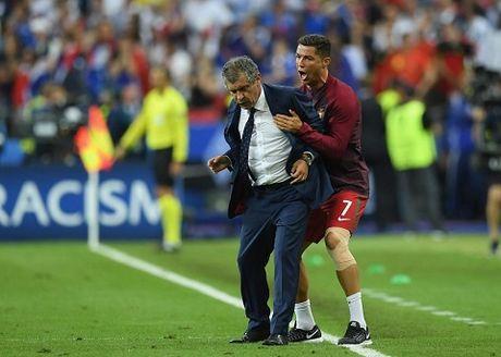 Cristiano Ronaldo khong bau Zidane cho danh hieu HLV xuat sac nhat - Anh 1