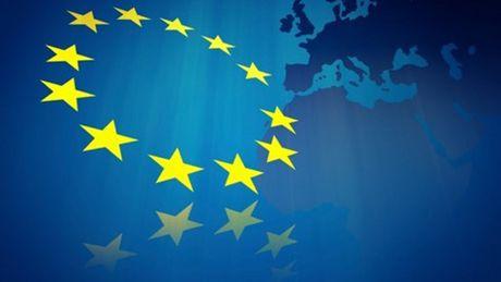 Tang truong Kinh te EU suy giam nam 2017 - Anh 1