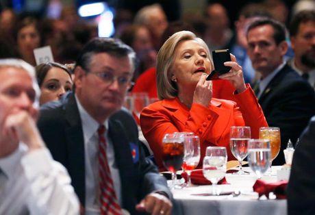 Nhung 'cung bac cam xuc' cua Hillary Clinton trong chien dich tranh cu - Anh 3