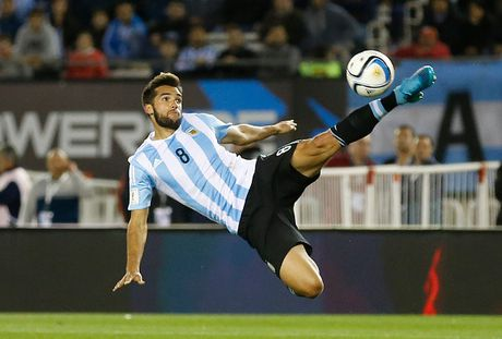 Doi hinh du kien giup Argentina chong lai suc manh cua Brazil - Anh 5