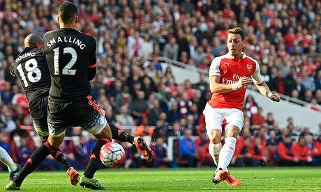 Arsenal chu y! Jose Mourinho dang muon tai hop Mesut Ozil - Anh 2