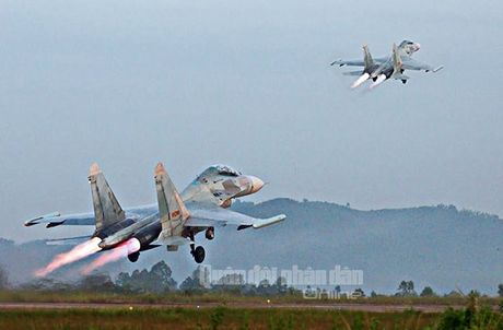 Suc manh dang gom tiem kich Su-27 cua Viet Nam - Anh 18