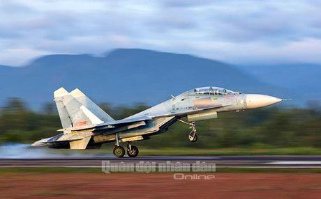 Suc manh dang gom tiem kich Su-27 cua Viet Nam - Anh 19