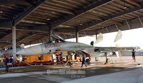 Suc manh dang gom tiem kich Su-27 cua Viet Nam - Anh 1