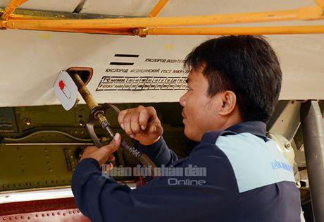 Suc manh dang gom tiem kich Su-27 cua Viet Nam - Anh 2