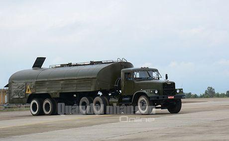 Suc manh dang gom tiem kich Su-27 cua Viet Nam - Anh 6
