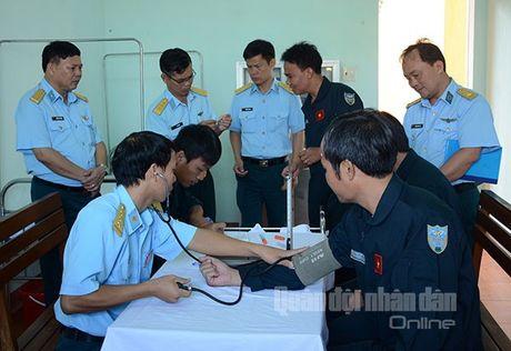 Suc manh dang gom tiem kich Su-27 cua Viet Nam - Anh 8