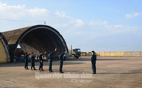 Suc manh dang gom tiem kich Su-27 cua Viet Nam - Anh 9