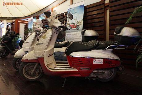 'Phuot' xe tay ga Peugeot 70 trieu tu Phap den Viet Nam - Anh 11