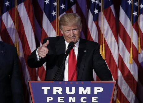 Tan tong thong My Donald Trump khen vo Schweinsteiger het loi - Anh 1