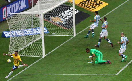 Argentina thua tran nua thi nguy - Anh 1