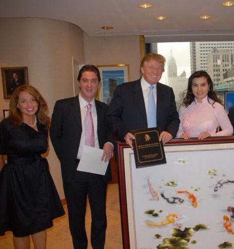 Hoa hau Kim Hong ke chuyen 3 tieng gap ong Trump - Anh 4