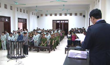 14 nam tu cho 4 doi tuong trong vu 'soi bac khung' o Quang Ninh - Anh 1