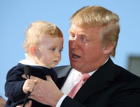Cau con trai ut xinh xan, de thuong cua Donald Trump - Anh 1