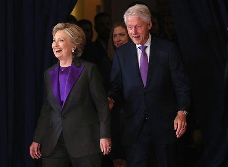 Ba Obama cung chon vay tim khi tiep vo Donald Trump - Anh 2