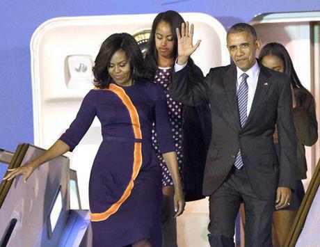 Ba Obama cung chon vay tim khi tiep vo Donald Trump - Anh 3