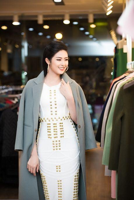 Huong Tram quyen ru hoi ngo Ngoc Han, Huyen My trong su kien moi - Anh 2