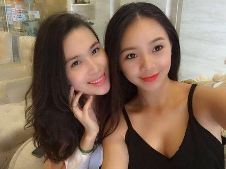 Than the nguoi phu nu cham soc sac dep cho Hoang Thuy Linh - Anh 11