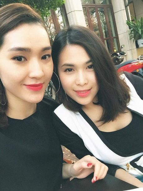 Than the nguoi phu nu cham soc sac dep cho Hoang Thuy Linh - Anh 13