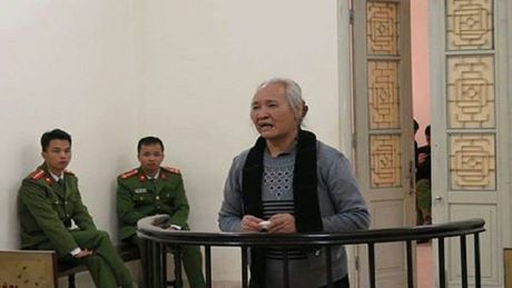 Bi cao U70 cam dau, gay roi trat tu tai cho Ninh Hiep - Anh 1