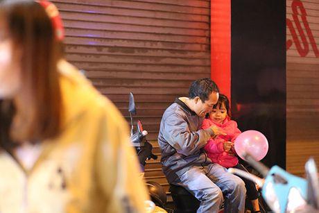 Ha Noi: Cho quan ao via he dong nghit khach nhung ngay chom dong - Anh 10