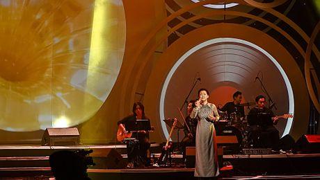 Ho Ngoc Ha lan dau song ca cung Khanh Ly - Anh 2