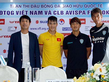 "DT Viet Nam: HLV Huu Thang ""cau may"" truoc AFF Cup - Anh 1"