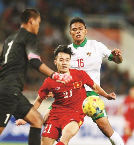 Doi tuyen Viet Nam truoc them AFF Cup 2016: Cu vui di da... - Anh 1