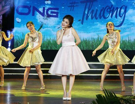 Ngoc Son, Phi Nhung chuyen tai chu 'Thuong' den khan gia - Anh 2