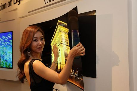 LG co the phat hanh TV OLED dan tuong trong nam 2017? - Anh 1