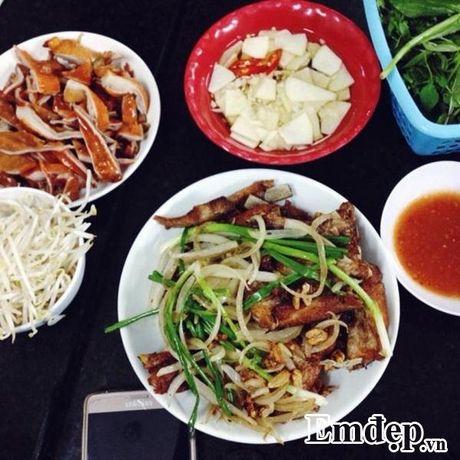 'Phai long' mon suon ran lau nam nong hoi ngay gio ret - Anh 2
