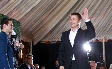 Ly hon Angelina Jolie, Brad Pitt 'soc' lai tinh than - Anh 1