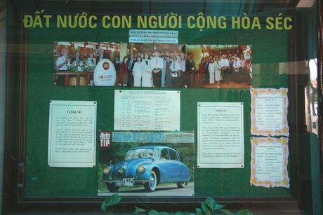 Ngam Oto co Tatra ba den pha hang doc tai TPHCM - Anh 12