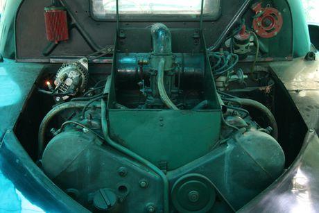 Ngam Oto co Tatra ba den pha hang doc tai TPHCM - Anh 6