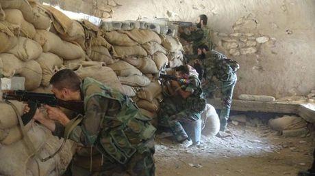 Quan doi Syria dap tan cuoc tan cong cua IS o Deir ez Zor - Anh 1