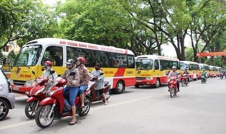 De xuat cho xe bus luu thong vao lan xe may gio cao diem - Anh 1